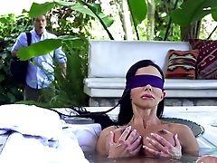Outdoor Buttfuck Along Hefty Tits Jewels Jade
