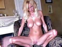 Hanna Hilton Is A Blondie-haired Breathtaker Who Loves Posing Naked