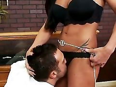 Jewels Jade And Keiran Lee Are Fucking Like Crazy In A Wild Gonzo Session