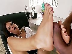 Amazing Foot Worship Scene With A Horny Mummy Whose Name Is India Summer