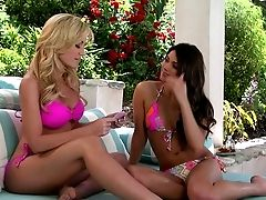 Black-haired Aspen And Blonde Angela Sommers Are Two Sexy Stunners