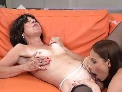 After Slurping Snatch Antonia Sainz Masturbates Herself In Synch With Gf