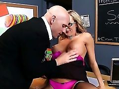 Matures Brandi Love Gets Seduced By Horny Manager Johnny Sins And Deep Penetrated