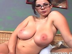 Gianna Michaels Isa Chesty Sweetheart Who Is In Need Of An Orgasm