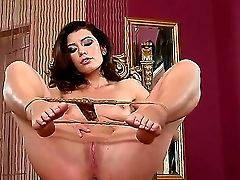 Betty Saint Gives Extraordinaire Solo Flash Wich Makes Her Perceive Intense Pleasure