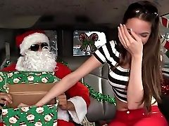 Mia Monroe Screams During Hump With Santa